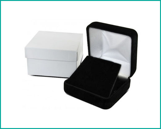 classic_velvet_jewelry_box